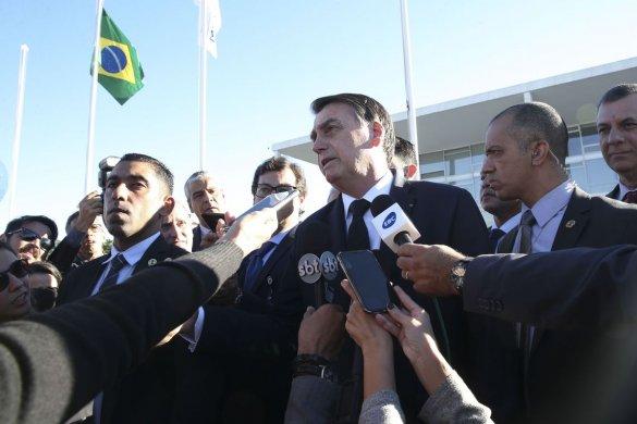 A-585x390 Bolsonaro diz que gratuidade de bagagem prejudicaria pequenas aéreas