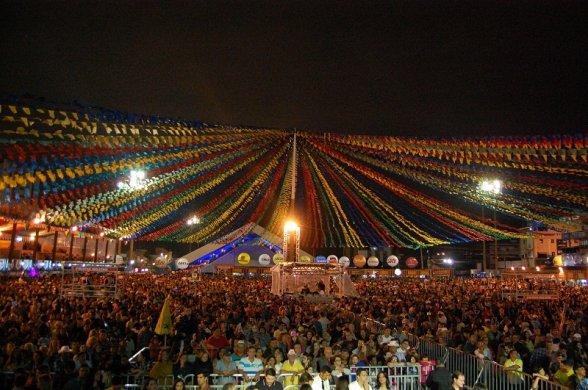 São-João-588x390 Justiça proíbe venda de bebidas, fogos e entrada de menores no Parque do Povo