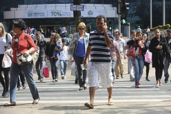 agenciabrasil161112wdo_7692-585x390 Desemprego cai de 12,4% para 12,3% no trimestre encerrado em maio