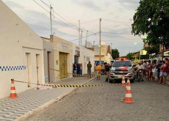 assassinato_congo_2-600x429-545x390 Jovem é assassinado no meio da rua no centro da cidade do Congo; outro foi atingido pelos disparos