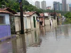 chuva JP permanece sob risco para enchente e alagamento