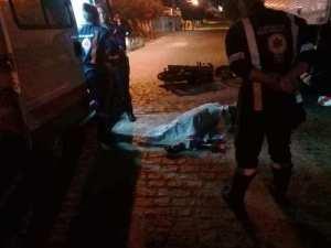 003-40 No Cariri: Homem morre após bater moto na traseira de caminhão