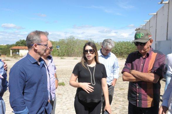 Abatedouro4-586x390 Prefeita Anna Lorena participa de reunião para discutir reabertura do abatedouro de caprinos de Monteiro