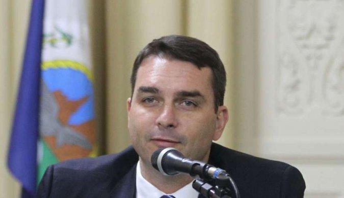 FLAVIO-675x390 Toffoli atende Flávio Bolsonaro e suspende inquérito sobre Coaf