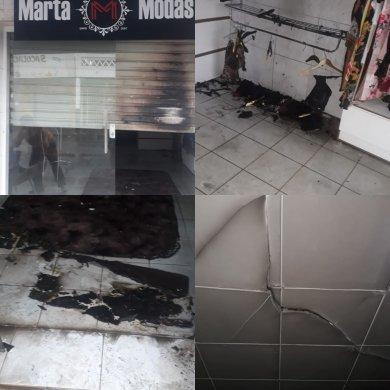 IMG_20190721_065024-390x390 Loja de roupas é incendiada em Monteiro