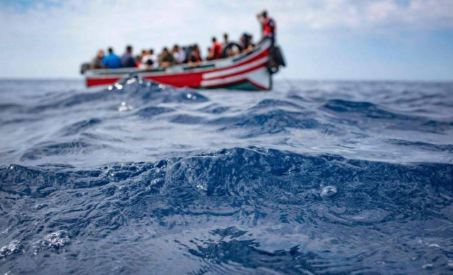 UPTGSD2Q3JQDHMUVLZ5FXHFYUU-641x390 Mais de cem migrantes desaparecem após naufrágio na costa da Líbia