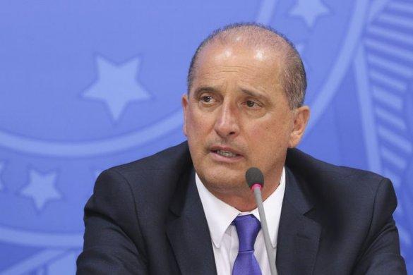 edit_vac_abr_18071919336-585x390 Governo cria Conselho Brasil-OCDE e revoga centenas de decretos