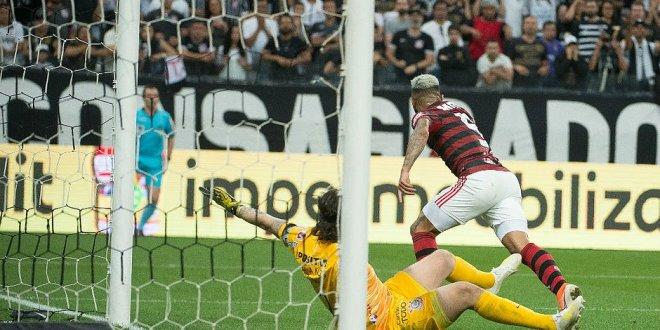 Com VAR, Gabriel marca no fim e Flamengo empata com o Corinthians