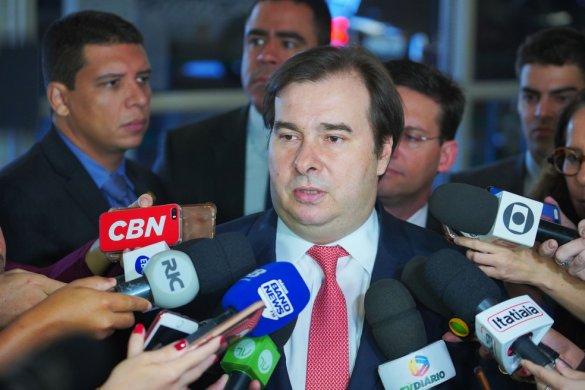 rodrigo-maia-entrevista-585x390 Rodrigo Maia e presidente do STJ também foram alvo de hackers
