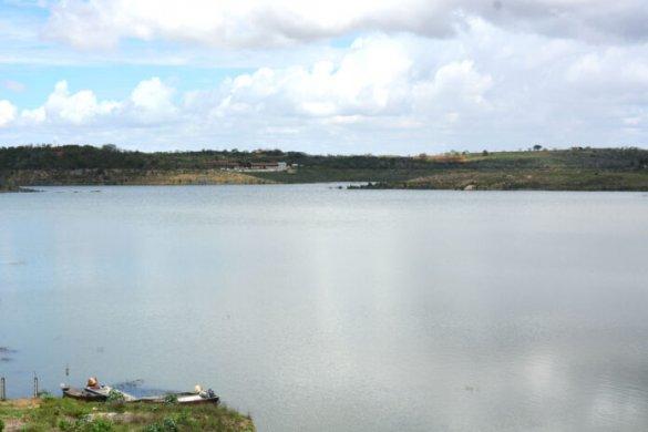 tras-1-585x390 'Em breve', diz secretário sobre água do São Francisco no Cariri