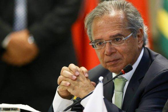 15434412445bff0b5c4fe90_1543441244_3x2_md-585x390 Governo vai privatizar 17 estatais neste ano, diz Guedes