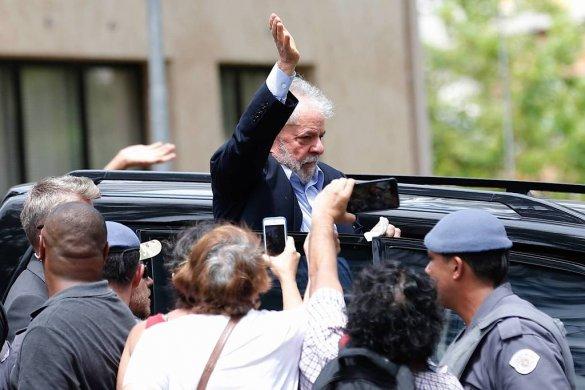 15520766265c82cf525aac7_1552076626_3x2_lg-585x390 Lula diz a advogados que não quer ir para o regime semiaberto