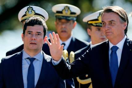 2019-06-11t135142z_759737599_rc12f9576010_rtrmadp_3_brazil-corruption Bolsonaro nega problema com Moro: 'Todos ministros têm ingerência minha'