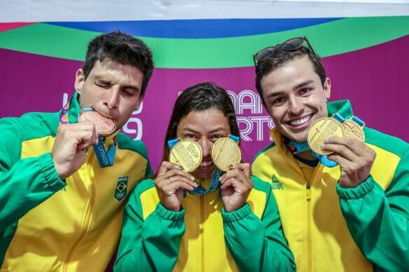 48457856712_b06f920386_k-585x390 Pan: Brasil conquista quatro ouros em dia de mais de 10 medalhas