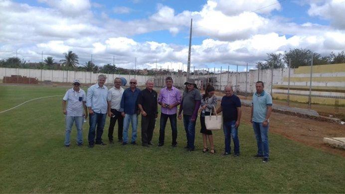68251349_377590139615114_3279427080634236928_n-692x390 Vereadores de situação acompanham Prefeito em exercício de Monteiro em visita a série de obras