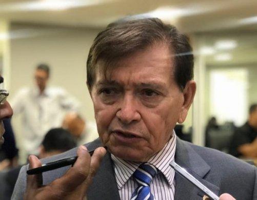 JOÃO-HENRIQUE-1-597x465-501x390 João Henrique se oferece ao governo, mas governador rejeita e veta aliança com o deputado