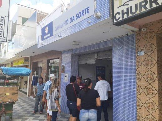 WhatsApp-Image-2019-08-17-at-12.08.11-696x522-520x390 Casa lotérica é assaltada no centro de Sertânia