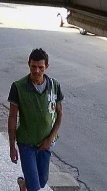 WhatsApp-Image-2019-08-28-at-05.55.36-576x1024-219x390 Polícia militar prende ex-presidiário que furtou lojas de roupas no centro de Sertânia