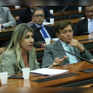 edna-e-Joao-390x390 Parlamentares negam tentativa de aproximação com Governo da PB