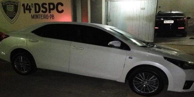 Policia apreende veículo clonado em Monteiro