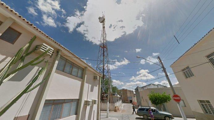 torre-do-forum-de-sertania-561651-693x390 Jovem com problemas pessoais sobe em torre para tentar suicídio no centro de Sertânia