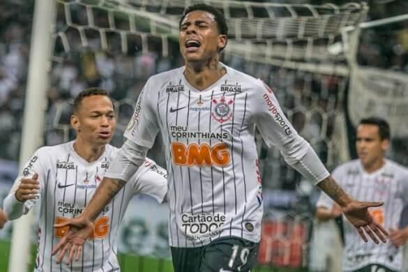 14316633-high-585x390 Com gol heroico de Gustavo, Corinthians vence o Atlético Mineiro