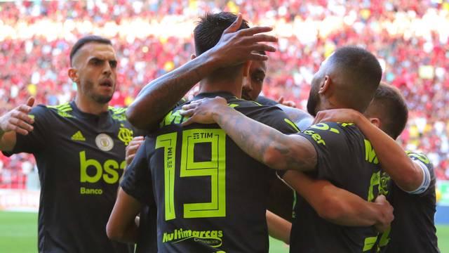 20190907174117795_6 Flamengo vence o Avaí por 3 a 0 no Mané Garrincha