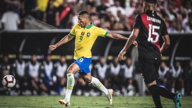 20190911003931_5d786c730b88d Brasil cria pouco e perde para o Peru