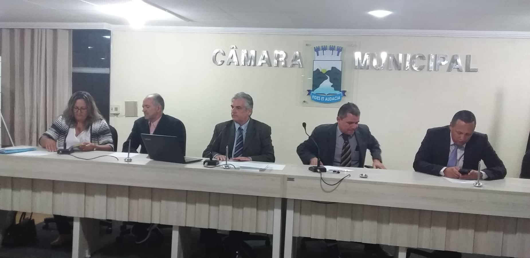 70148167_1282164701952138_8249858755085205504_n-700x341 Retorno do vereador Raul Formiga marca sessão da Câmara de Monteiro