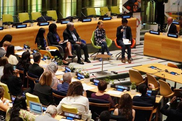 CLIMA-585x390 Cúpula do Clima da ONU começa com mensagem de jovens ativistas