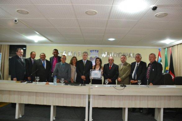 IMG-20190927-WA0067-585x390 Câmara de Monteiro entrega título de cidadã à Gerente do Armazém Paraíba e aprova título para o Padre Isaías