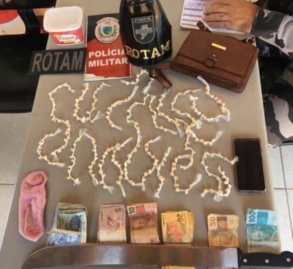 IMG-20190927-WA0246-e1570083206554-425x390 Mulher é presa acusada de tráfico em bairro em Monteiro