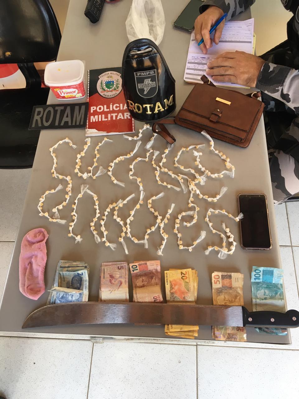IMG-20190927-WA0246 Mulher é presa acusada de tráfico em bairro em Monteiro