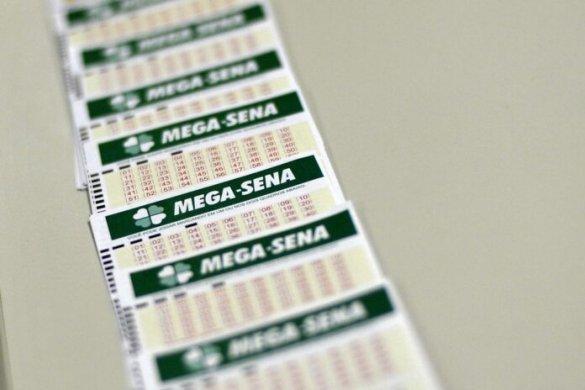 Mega-Sena-Marcello-Casal-Jr.-Agência-Brasil-2-696x464-585x390 Mega-Sena acumula e próximo concurso deve pagar R$ 44 milhões