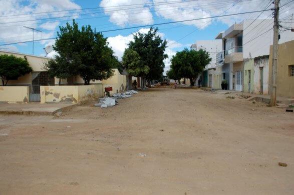 Prefeitura-de-Monteiro-inicia-mais-obras-de-pavimentação-pelos-bairros-da-cidade-1-587x390 Prefeitura de Monteiro inicia mais obras de pavimentação pelos bairros da cidade