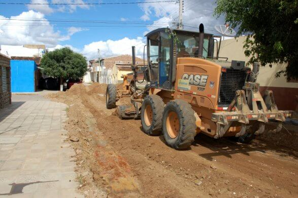Prefeitura-de-Monteiro-inicia-mais-obras-de-pavimentação-pelos-bairros-da-cidade-5-587x390 Prefeitura de Monteiro inicia mais obras de pavimentação pelos bairros da cidade