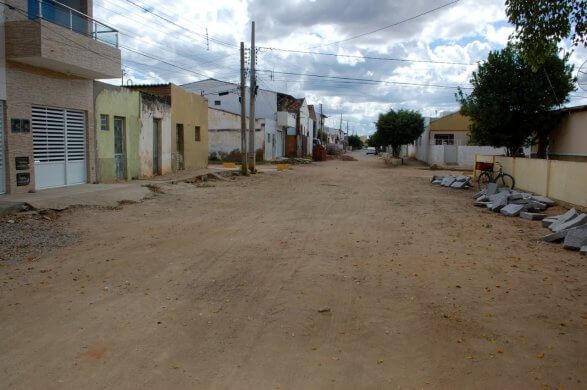 Prefeitura-de-Monteiro-inicia-mais-obras-de-pavimentação-pelos-bairros-da-cidade-7-1-587x390 Prefeitura de Monteiro inicia mais obras de pavimentação pelos bairros da cidade