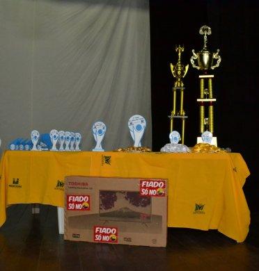 Secretaria-de-Esportes-realiza-comemoração-para-entrega-de-premiação-da-Copa-Dr.-Chico-de-Futsal-1-372x390 Secretaria de Esportes realiza comemoração para entrega de premiação da Copa Dr. Chico de Futsal