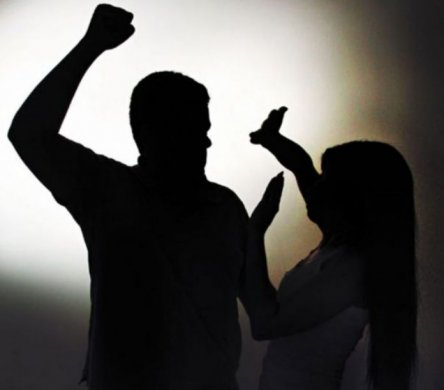 Violência-Doméstica-696x611-1-444x390 Homem é preso em Sertânia após tentar agredir ex companheira com pedaço de pau