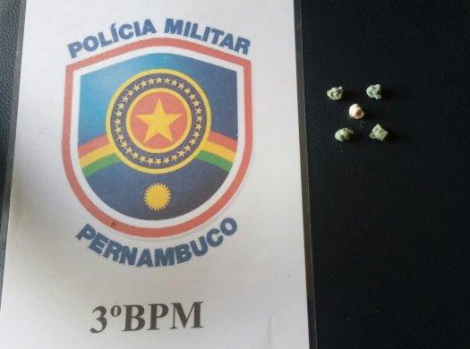 WhatsAppImage2019-09-11at21.49.14-525x390 Vendedor de picolé é preso em flagrante com cinco pedras de crack no centro de Sertânia
