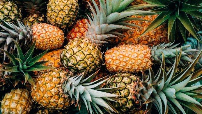 abacaxi-1513012505452_v2_900x506-694x390 Paraíba é o segundo maior produtor de abacaxi do Brasil, diz IBGE
