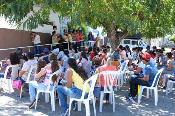 alunos-da-rede-municipal-de-ensino-recebem-atendimento-oftalmologico-em-monteiro-2-587x390 Alunos da rede municipal de ensino recebem atendimento Oftalmológico em Monteiro