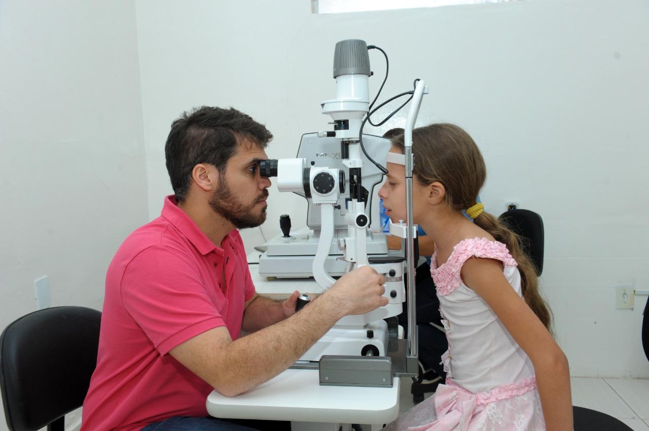 alunos-da-rede-municipal-de-ensino-recebem-atendimento-oftalmologico-em-monteiro-7-587x390 Alunos da rede municipal de ensino recebem atendimento Oftalmológico em Monteiro