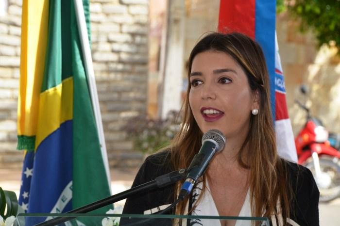 anna-lorena Lorena comemora primeiro semestre com 100% dos poços públicos em funcionamento