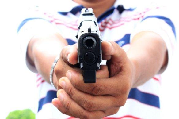 arma_de_fogo-584x390 Homem é assassinado com 10 tiros na cabeça em Cidade da PB