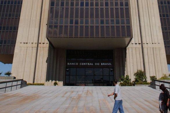 brasilia_predio_banco_central_do_brasil_dsc_0003_1-585x390 Copom reduz Selic para 5,5% ao ano
