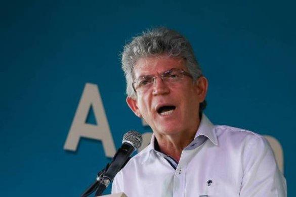ricardocoutinhofolha-585x390 Ricardo critica ritmo de João: governo inaugura obras minhas