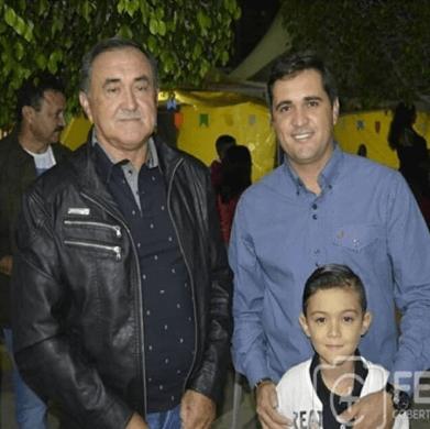 unnamed-391x390 Prefeito de São João do Tigre, Célio Barbosa, demite ex-prefeito temendo possível candidatura do filho
