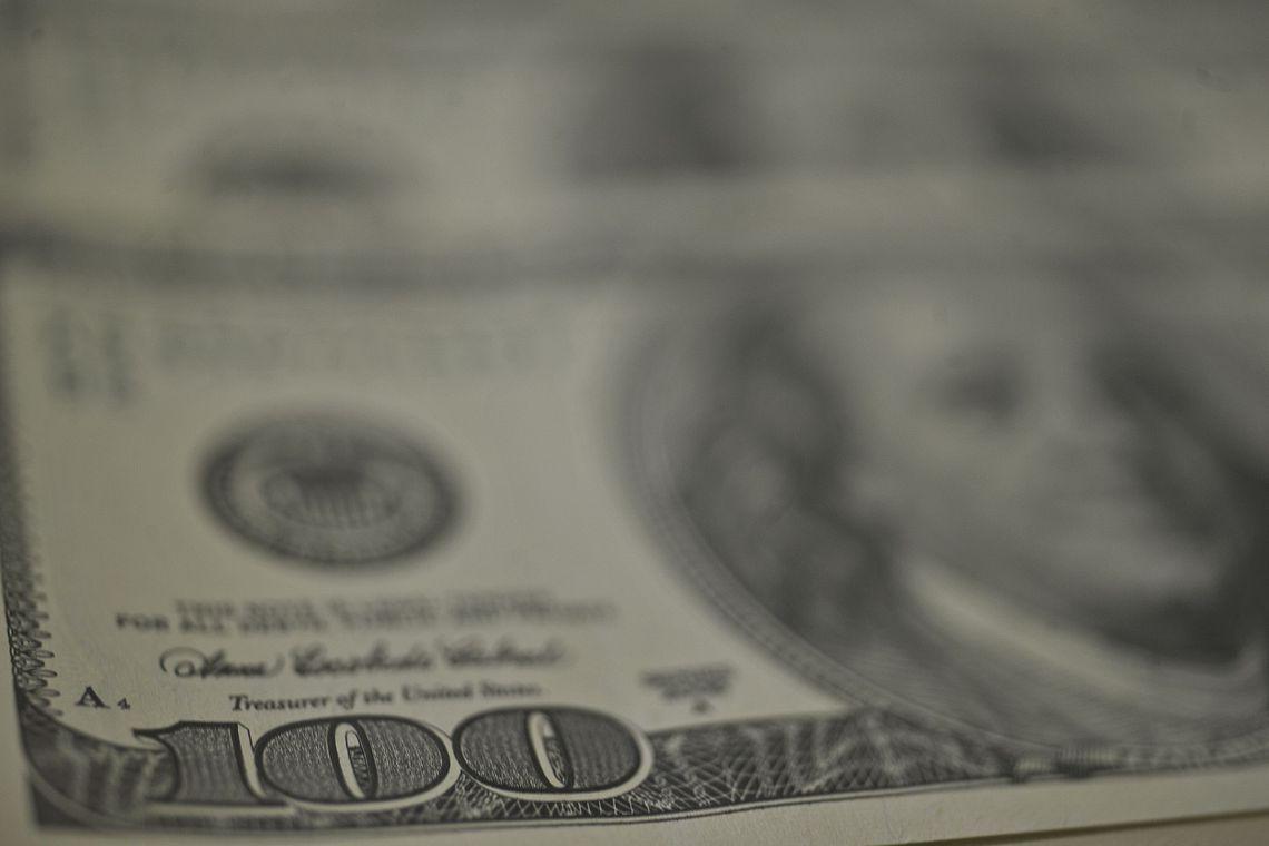 DOLAR Dólar é cotado a R$ 5,3106 nesta manhã de quinta-feira