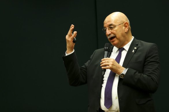 MINISTRO-585x390 Programa Criança Feliz terá orçamento de R$ 800 milhões, diz ministro